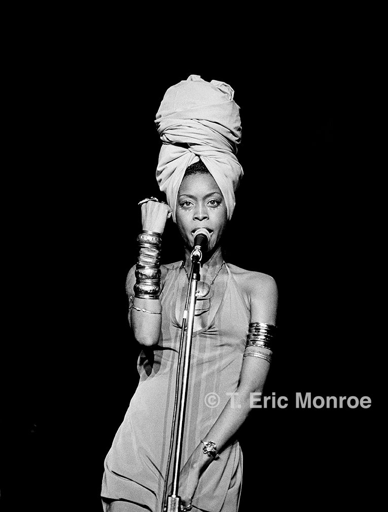 The Moment : Erykah Badu