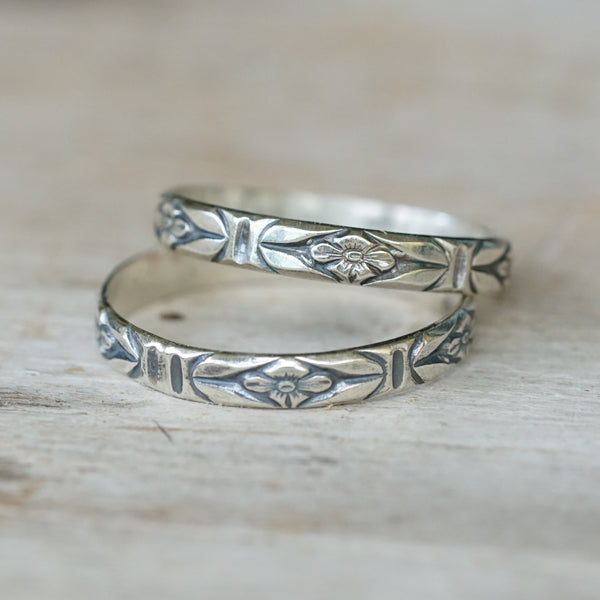 Flower stack ring