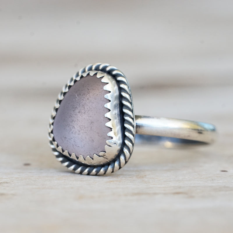 Lilac sea glass with twist ring 5.5