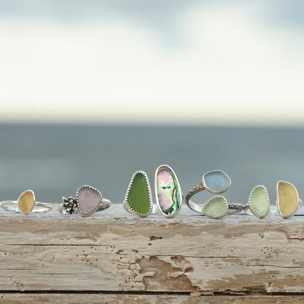 Two piece sea glass and flower band ring 8.5
