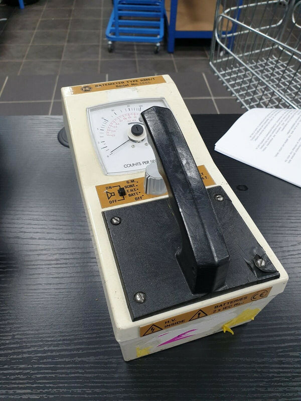 Vintage Cold War British Army Geiger Counter Rate Meter RM5/1 Radiation Detector