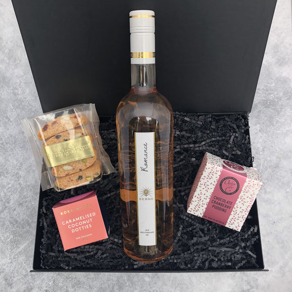 Gift Hampers for Her, Gift Hampers for Women, Gift Hampers for Men, Gift Hampers for Him, Corporate Hampers, Corporate Gift Hampers, Christmas Gift Hampers, Christmas Hampers Melbourne - Very Merry Rose