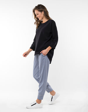 Elm Fundamentals Crew Alice Washed Black