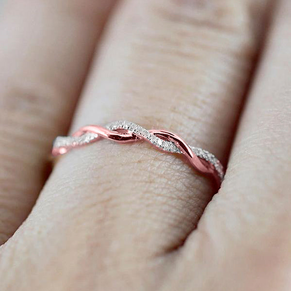 The Elegant Twist Ring