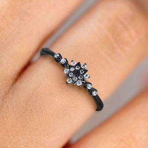 The Little Snowflake Ring