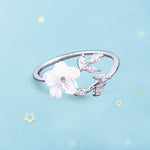 The Pristine Flower Ring