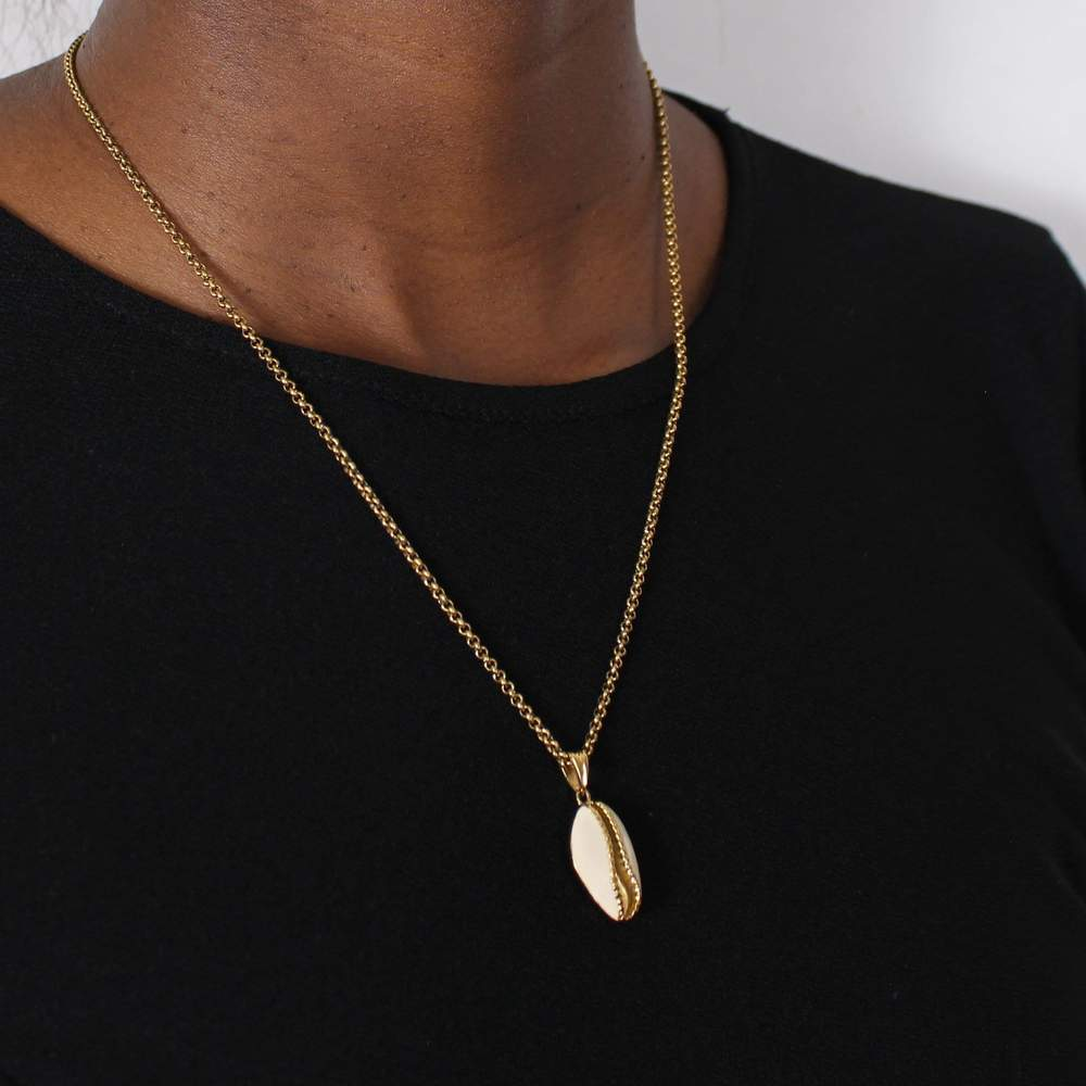 nana shell necklace