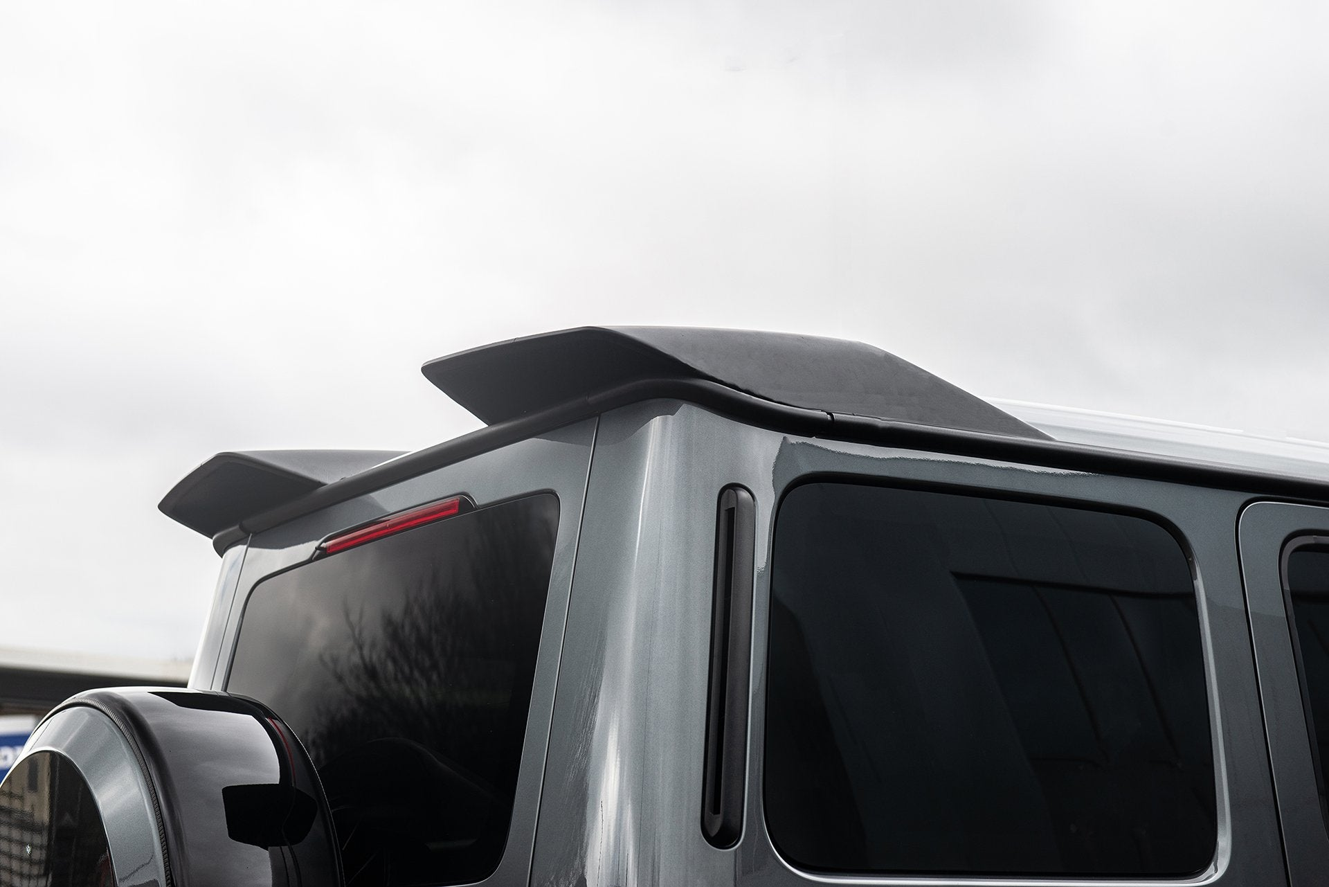 MERCEDES G-WAGON (2018-PRESENT) G63 AMG EXPOSED CARBON REAR ROOF WING