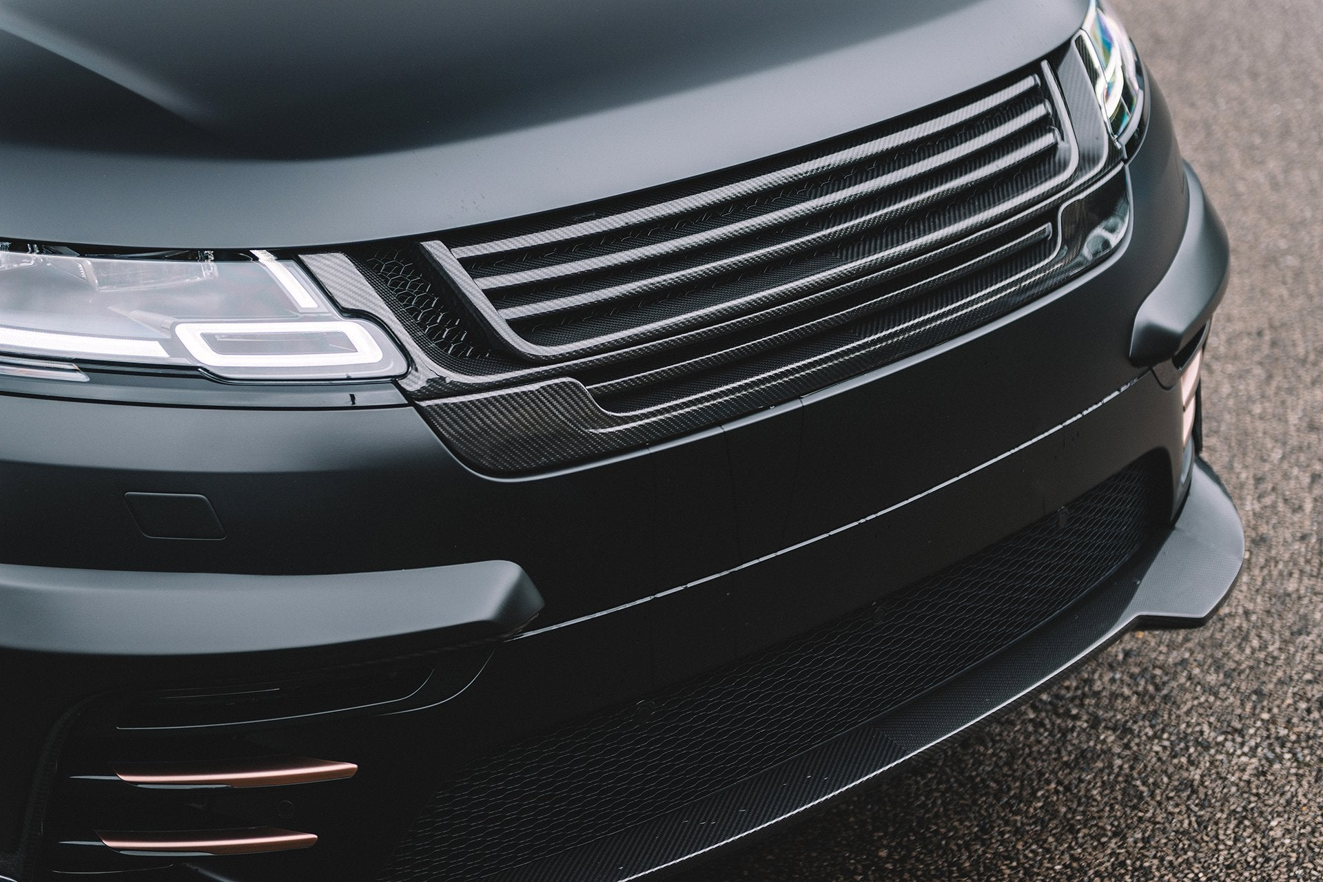Range Rover Velar (2017-Present) Exposed Carbon Front Grille by Kahn - Image 2564