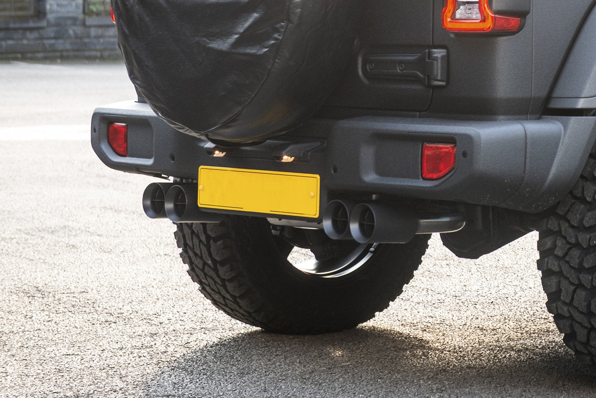 Jeep Wrangler Jl (2018-Present) 4 Door Quad Crosshair Exhaust System In Matt Black Image 5052