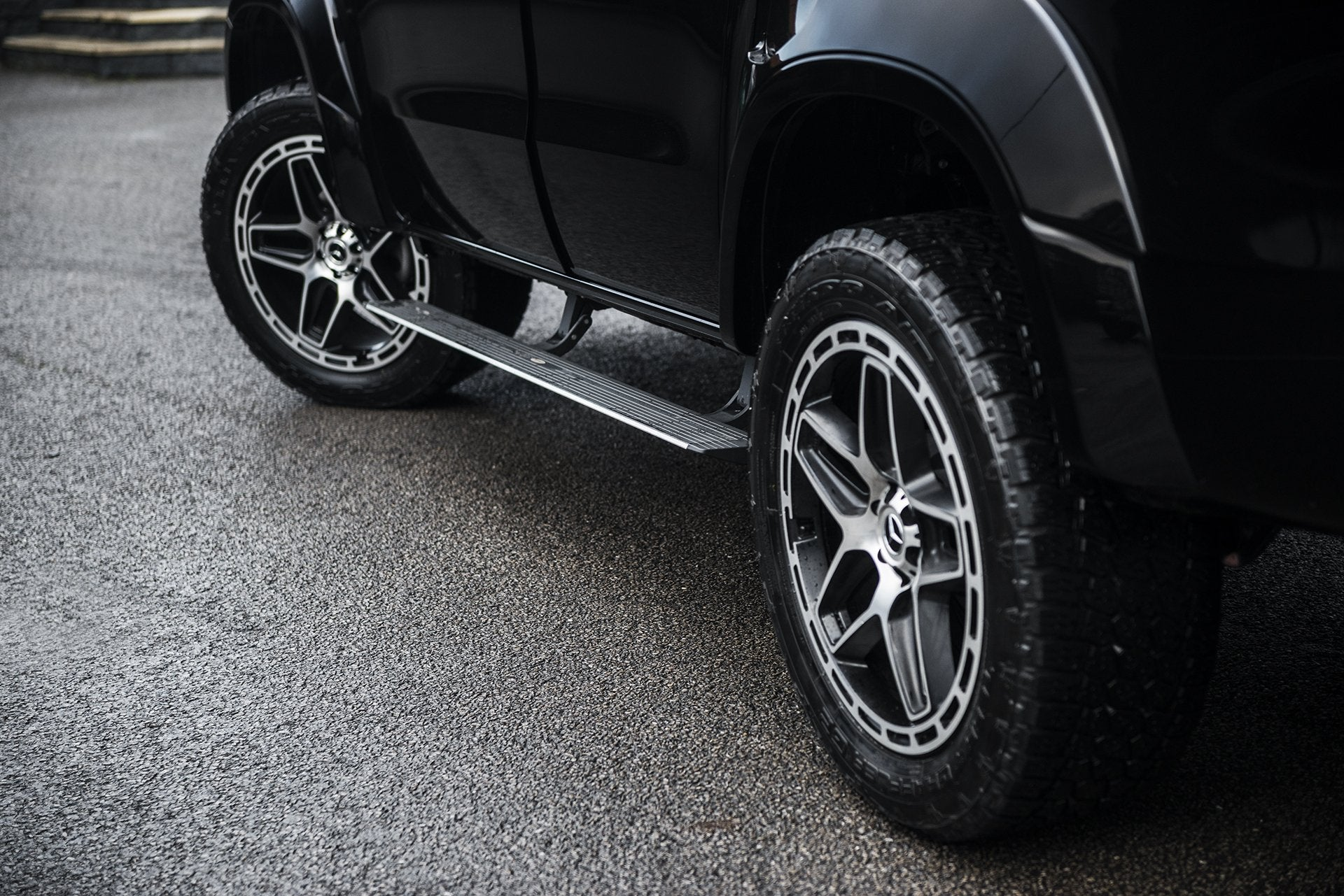 Mercedes X-Class (2019-Present) Deployable Electric Side Steps by Kahn - Image 2785