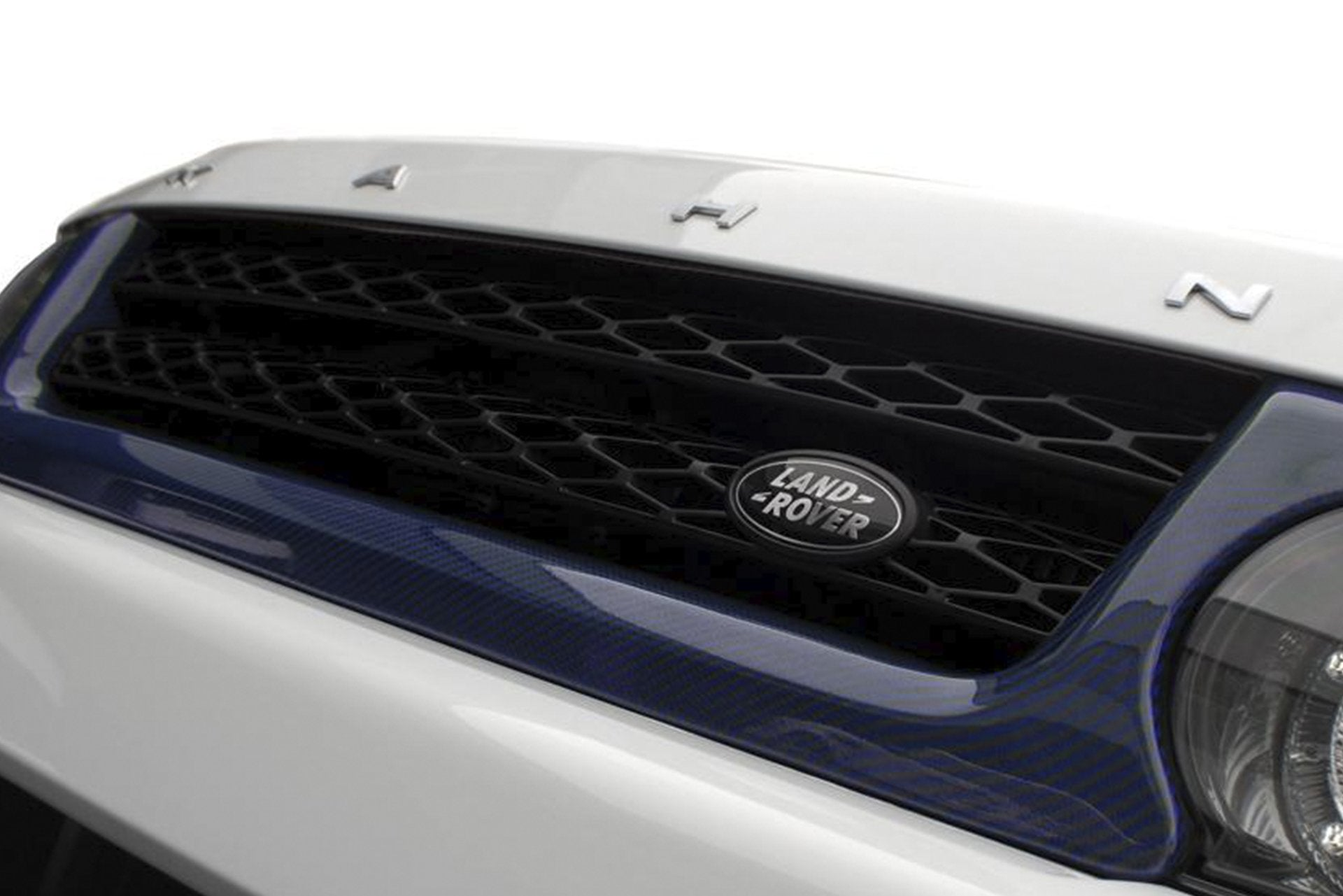 Range Rover Sport (2005-2013) Exposed Carbon Fibre Front Grille Surround by Kahn - Image 1897