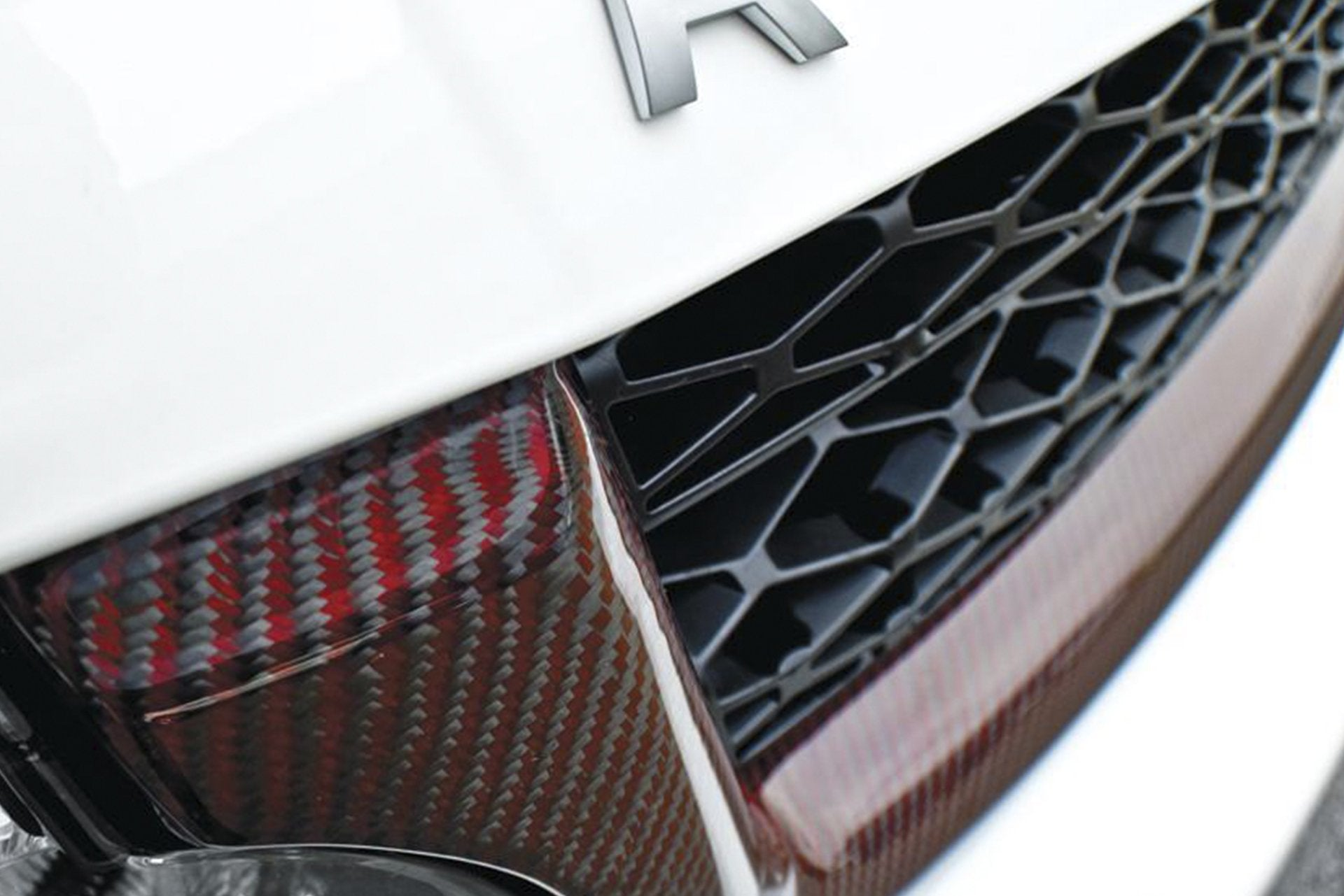 Range Rover Sport (2005-2013) Exposed Carbon Fibre Front Grille Surround by Kahn - Image 1894