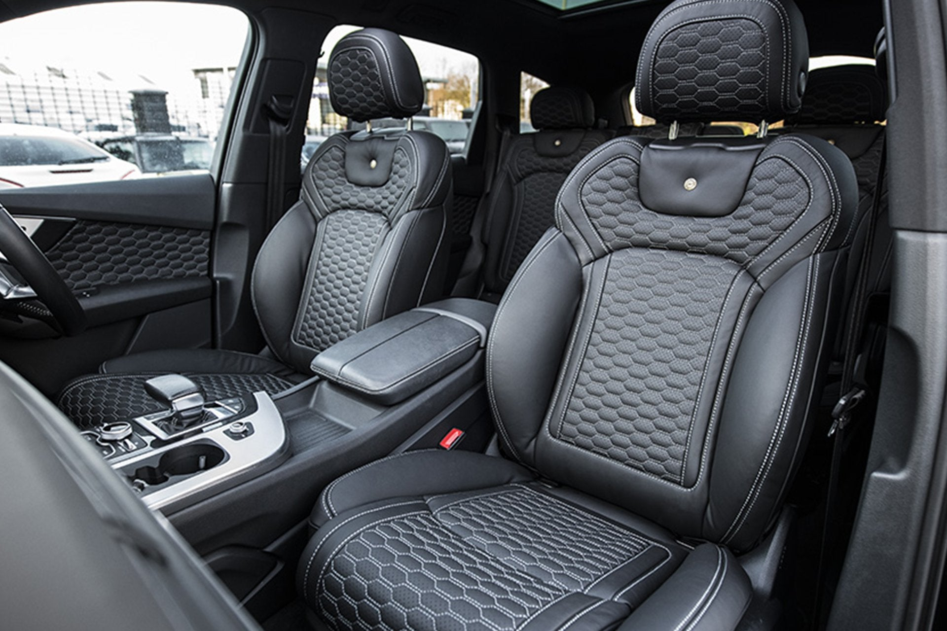 Audi Q7 (2016-Present) Leather Interior by Kahn - Image 4038