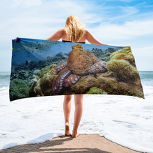 Load image into Gallery viewer, Majestic Octopus Towel