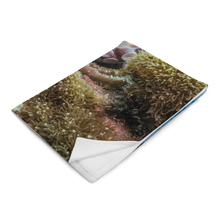 Load image into Gallery viewer, Majestic Octopus Throw Blanket