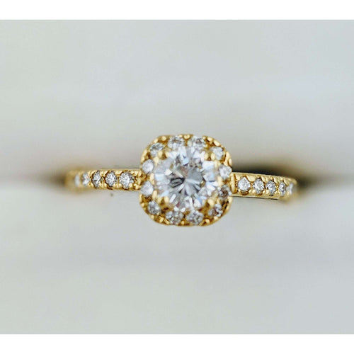 18kyg Diamond halo Engagement ring