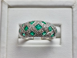 14k ladies Emeralds and Diamonds ring