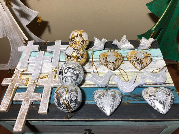 Gold and Silver Christmas Ornament Set (20 Pcs)