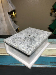 Christmas is Here Gift Box (9 Pcs)