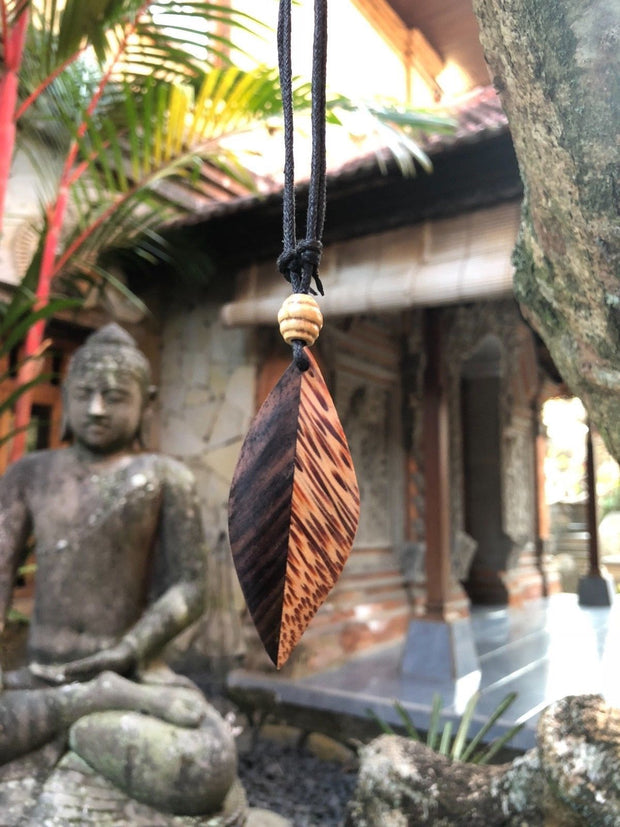 Sono Wood and Coconut Leaf Necklace