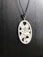 Lilly Flower Necklace - Bone