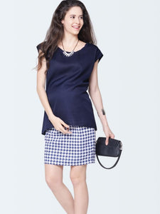 sleeveless maternity top in navy blue color_1