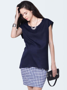 sleeveless maternity top in navy blue color_5