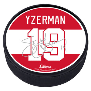 Detroit Red Wings™ S. Yzerman Souvenir Player Puck with Replica Signature