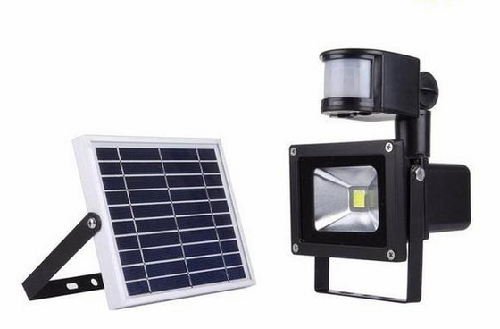 10W Outdoor Rechargeable LED Solar Flood Light