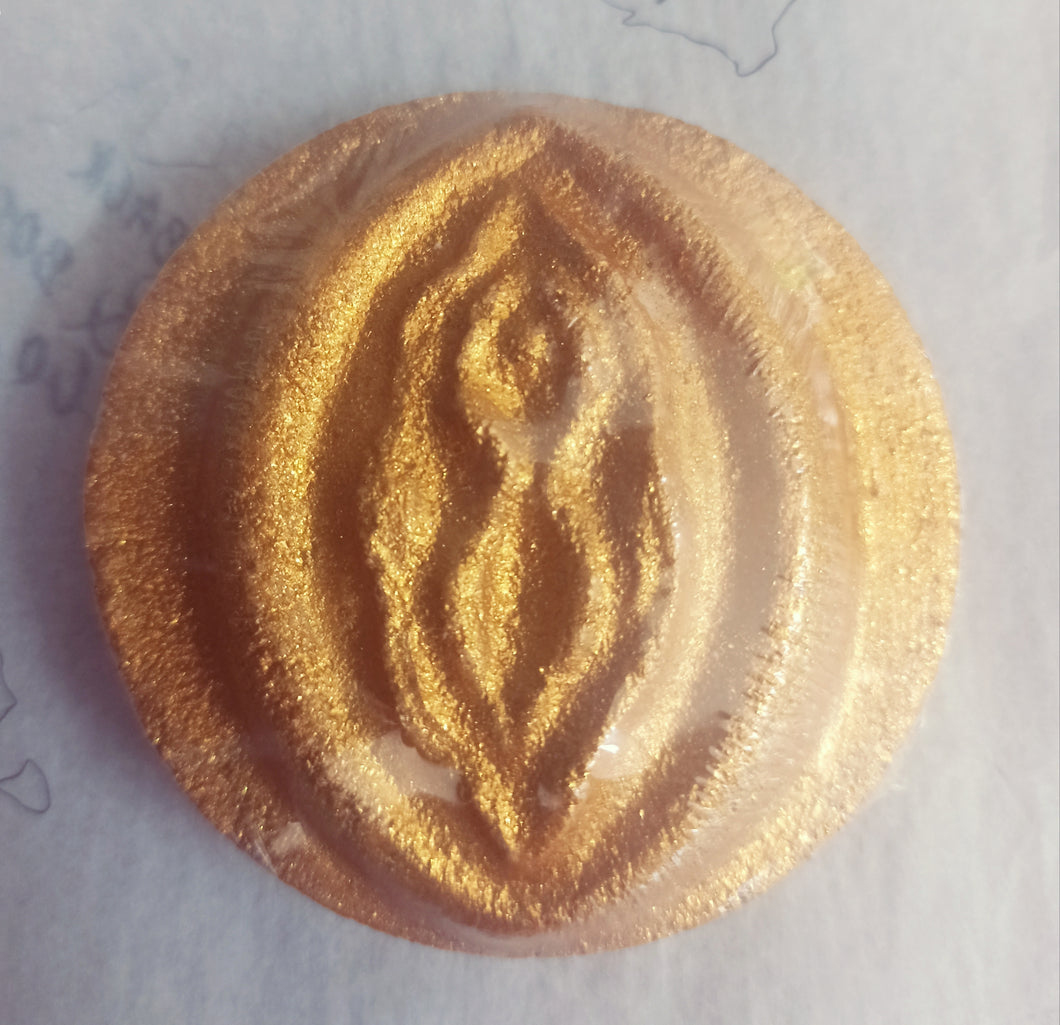 Golden Vagene Bath Bomb
