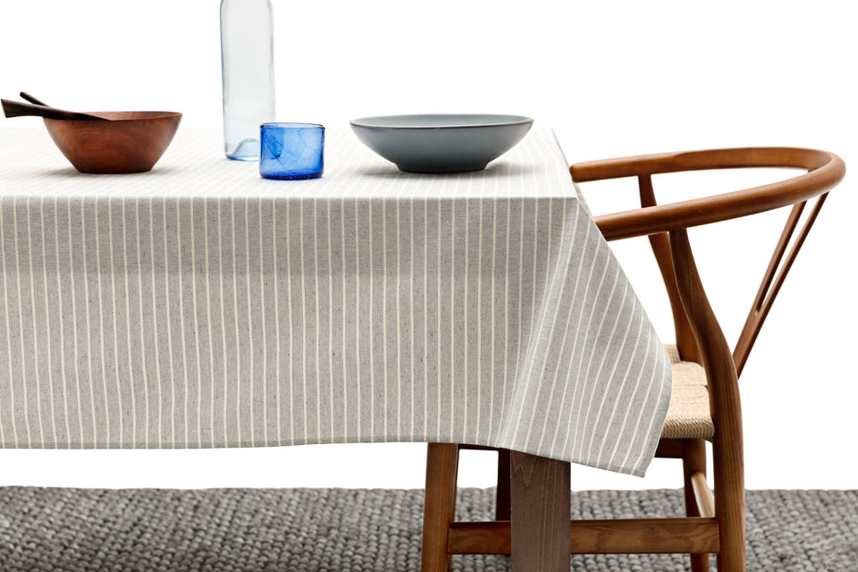 Tablecloth / Grey Striped