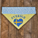 Sverige / Over the Collar Dog Bandana - Mydeye