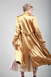 "The ""IT"" Sleek Velvet Trench"