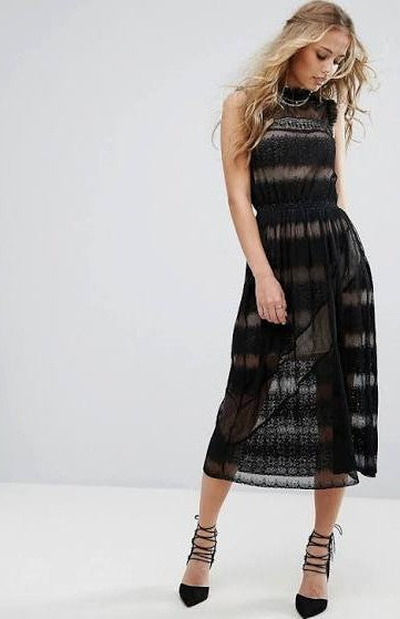 Pretty Woman Lace Midi Dress