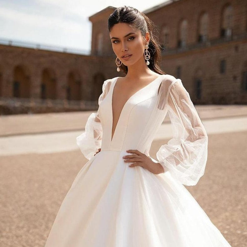 Simple Wedding Dresses Sexy V Neck Removable Long Sleeves Vintage Satin