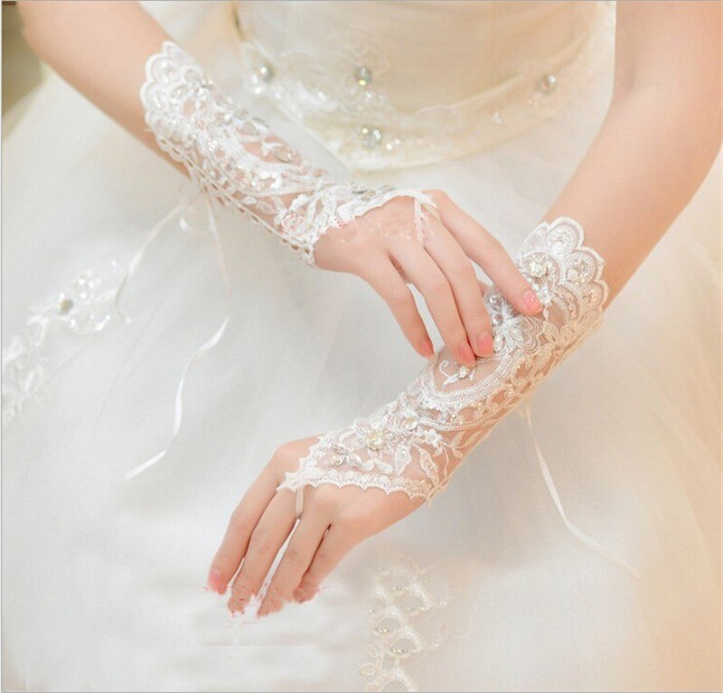 Lace Appliques Bridal Gloves With Crystal Wedding Party Gloves Fingerless