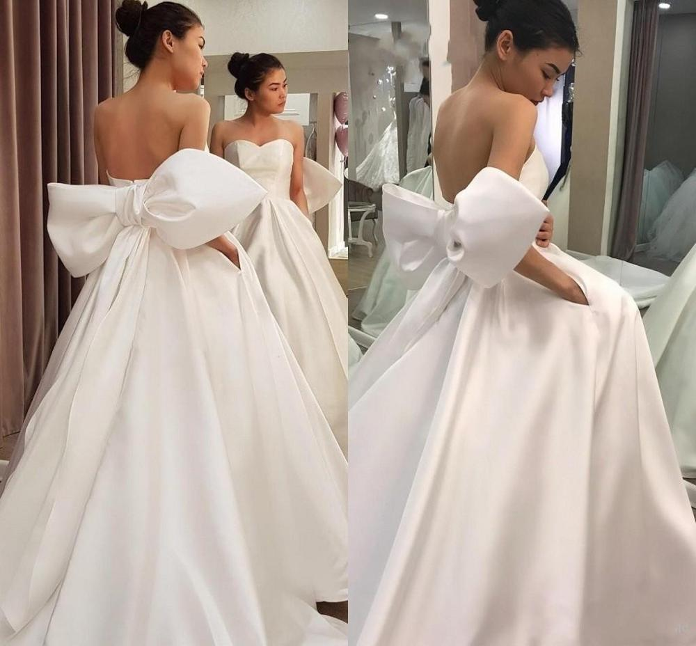 Fashion Back Design Wedding Dresses with Big Bow Sweetheart Neck Backless Simple Satin