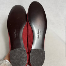 Load image into Gallery viewer, Salvatore Ferragamo flats