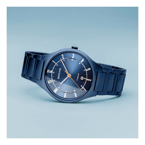 bering-titanium-watch