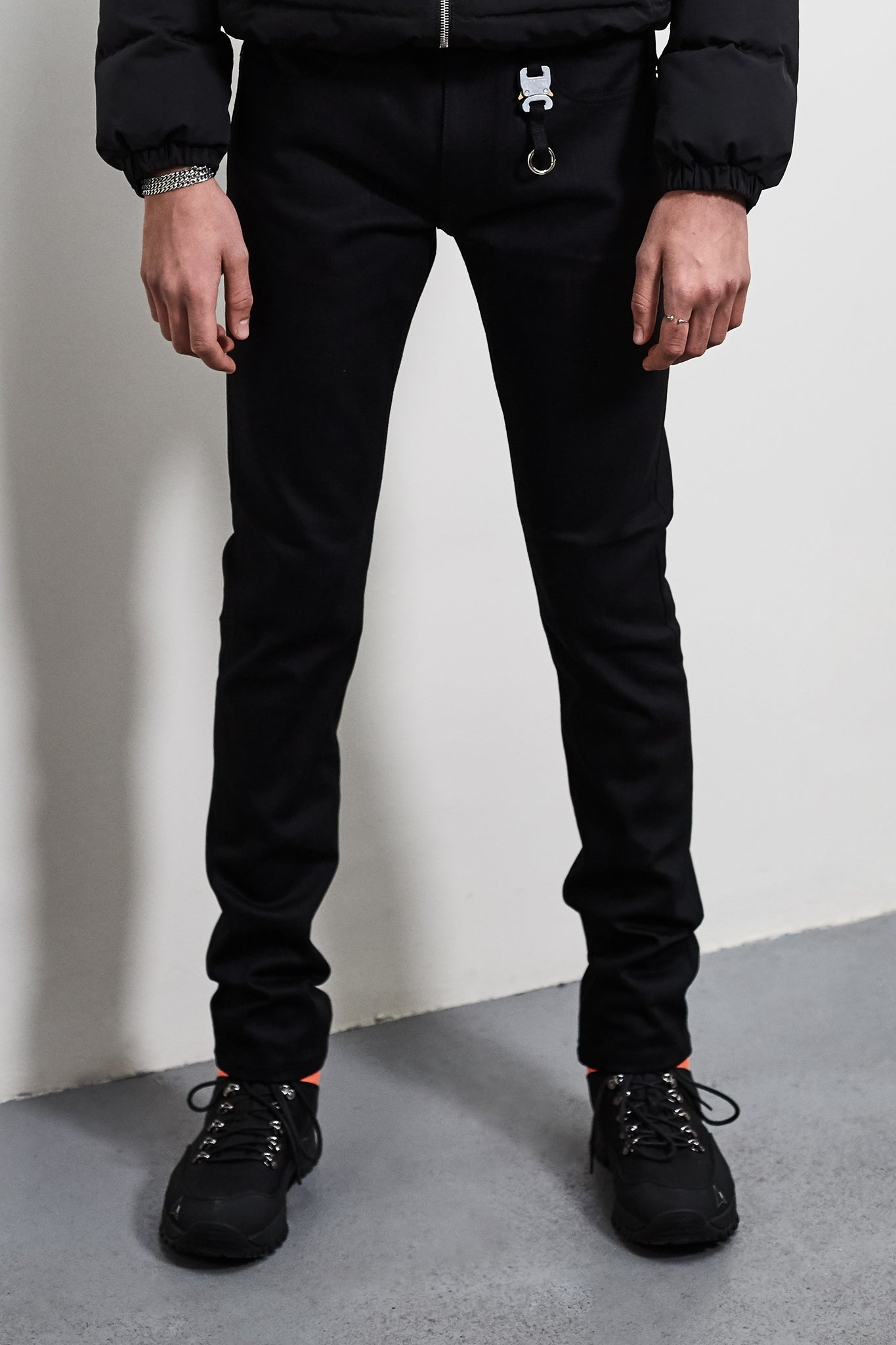Black Classic Jeans With Keychain Buckle