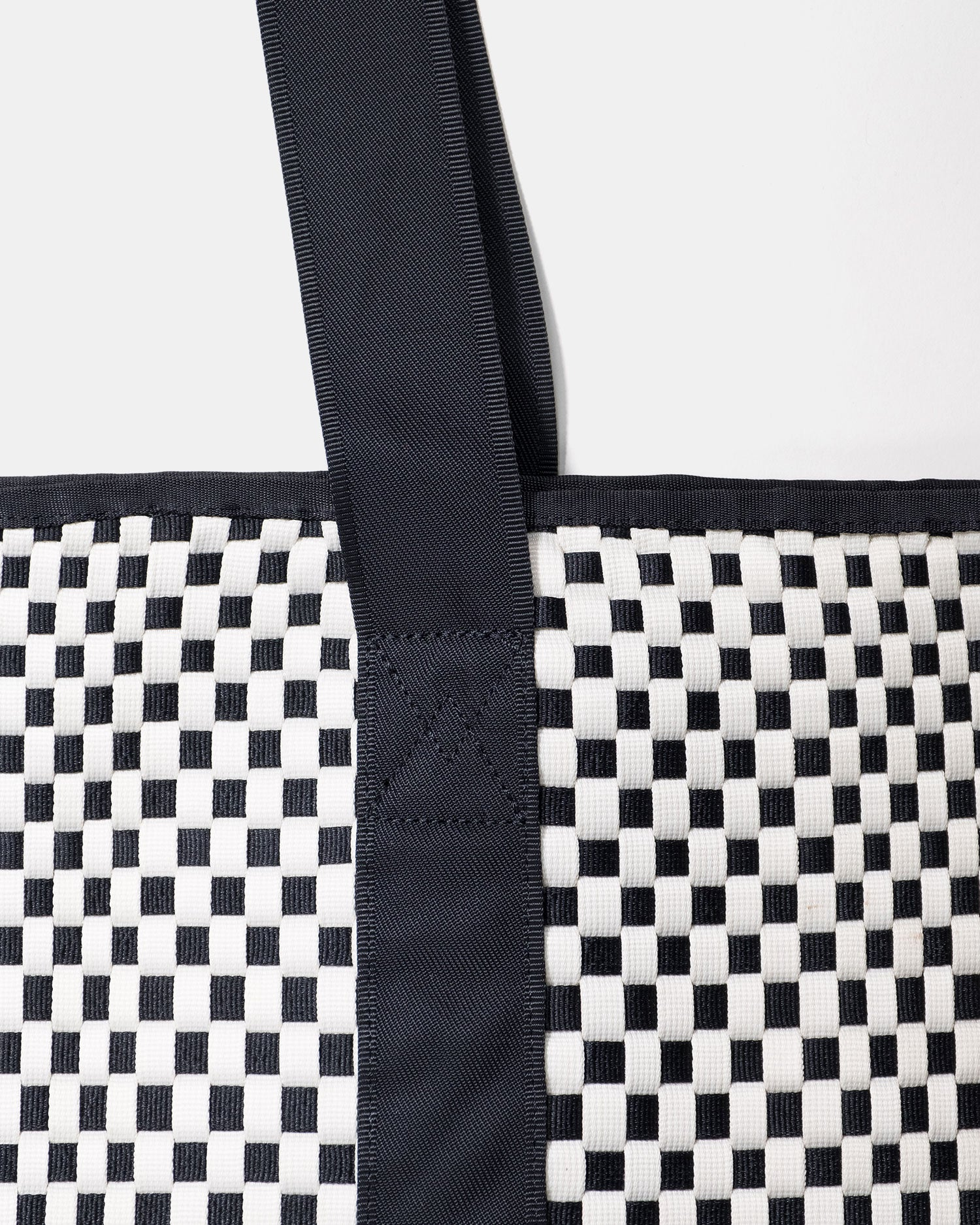 Malibu x Missoni Beach Tote Black & White
