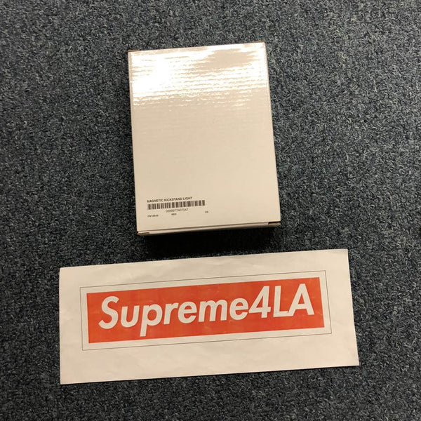 Supreme 18F/W Magnetic Kickstand Light Red