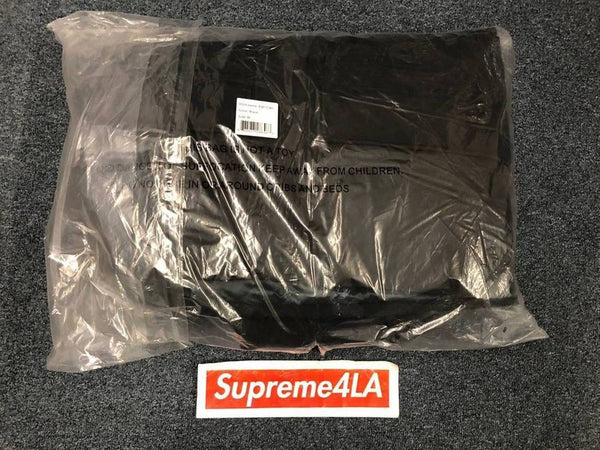 Supreme 17F/W 700-Fill Down Taped Seam Parka