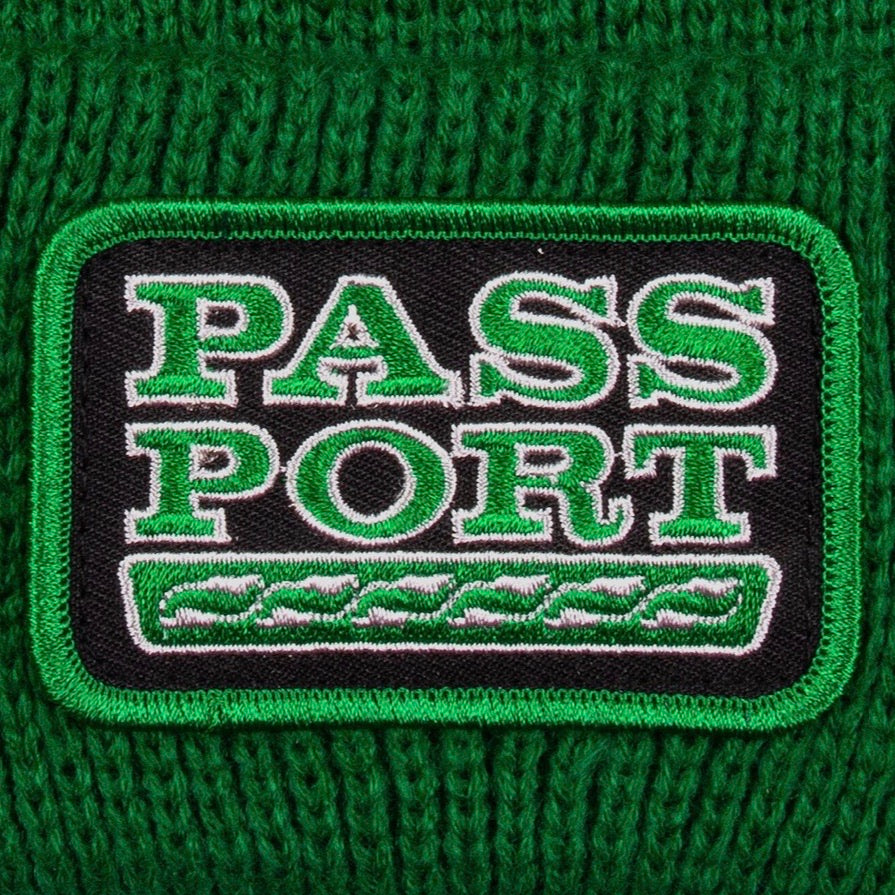 PASS-PORT AUTO PATCH BEANIE KELLY GREEN