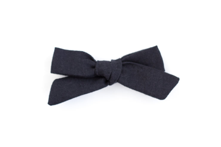 NAVY LINEN | MINI Bows for babies, toddlers & kids | Kids Clothing and Accessories | La-Bel