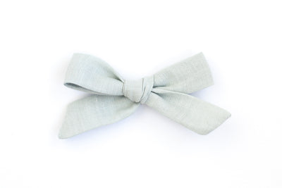 SEAFOAM LINEN | MINI Bows for babies, toddlers & kids | Kids Clothing and Accessories | La-Bel