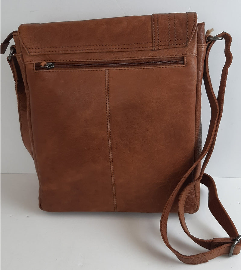 Oran Full Grain Goji Leather Messenger Bag FG9617
