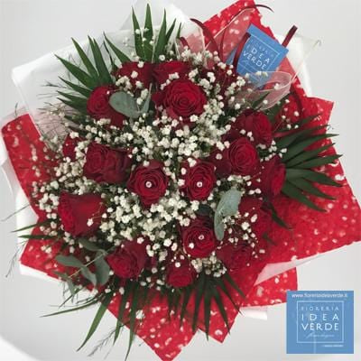 Bouquet Bouquet with 18 Gypsophila Red Roses