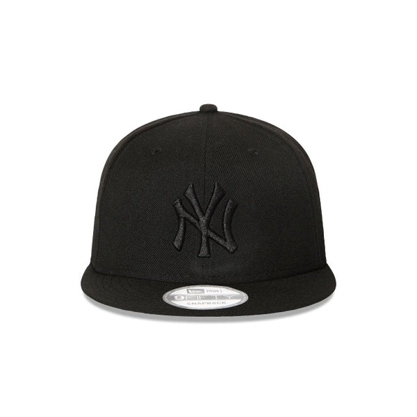 NY YANKEES 9FIFTY SNAPBACK - BLACK ON BLACK